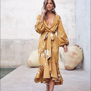 Express X Rocky Barnes Satin Kimono Dress (s/xs)
